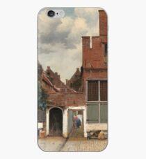 """Ansicht von Häusern in Delft, bekannt als """"die kleine Straße"""" - Johannes Vermeer iPhone-Hülle & Cover"""