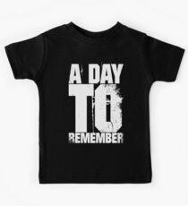 Ein Tag zum erinnern Kinder T-Shirt