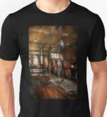 Firemen - Answering the firebell 1922 Unisex T-Shirt