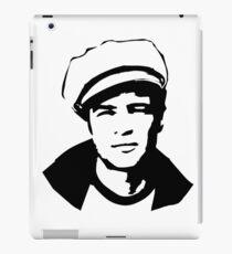 PORTRAIT von Marlon der legendäre Schauspieler und Ikone iPad-Hülle & Klebefolie