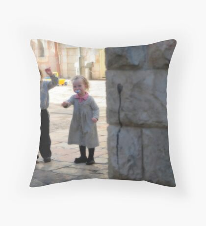 THREE KIDS AND HUNDRED GATES Throw Pillow