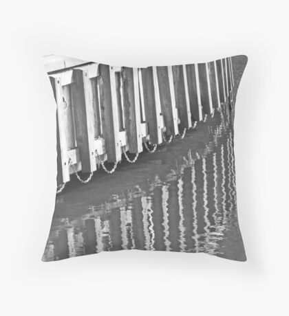 lines on the thames Throw Pillow
