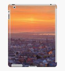 Panoramic View of the Edinburgh Skyline (HDR) iPad Case/Skin