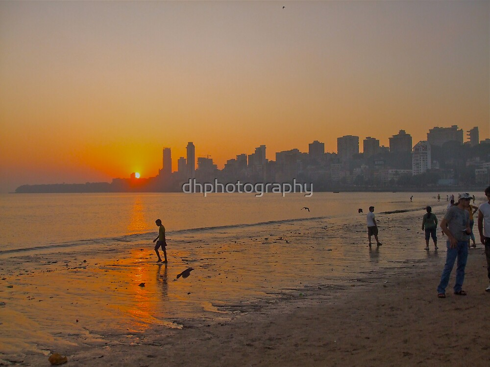 Sun set over Chowpatty Beach, Mumbai, India by dhphotography