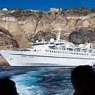 Santorini, vessel Orient Queen by Monica Di Carlo