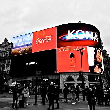 Piccaddilly Circus Black & White by petrosdeme