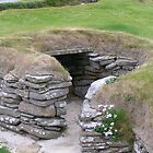 Skara Brae House Entrance by lezvee