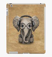 Cute Baby Elephant Dj Wearing Headphones and Glasses iPad Case/Skin