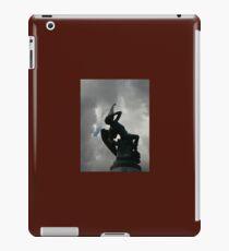 Vinilo o funda para iPad La fuente del ángel caído