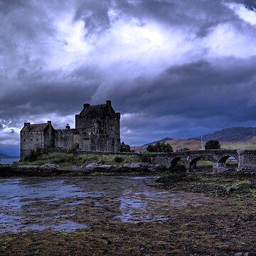 Touched by Heaven (Eilean Donan Castle) by fincath