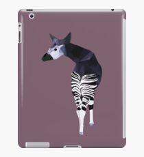 Okapi in Lila iPad-Hülle & Klebefolie