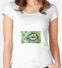Coy Worte Tailliertes Rundhals-Shirt