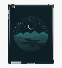Zwischen den Bergen und den Sternen iPad-Hülle & Skin