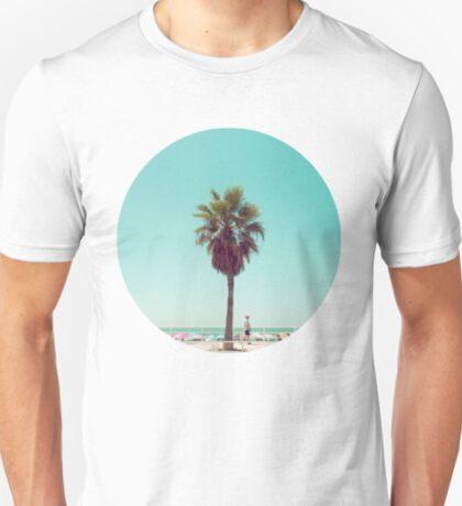 Gerade eine andere Sommer-Postkarte T-Shirt