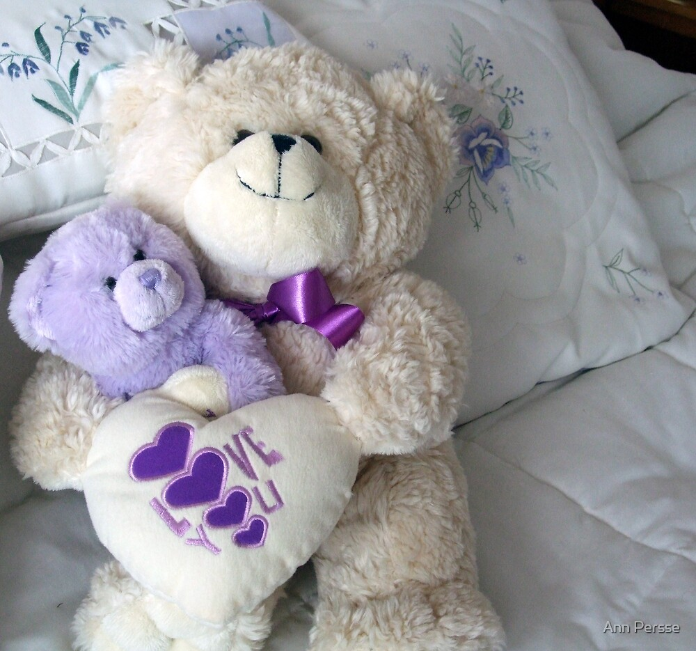 Teddy's cuddles by Ann Persse
