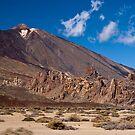 El Teide: Looking Up in Wonder by Kasia-D