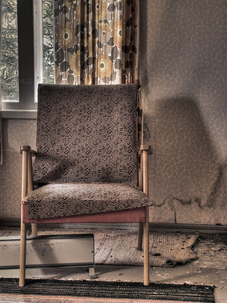 1.10.2009: Another Abandoned Chair by Petri Volanen