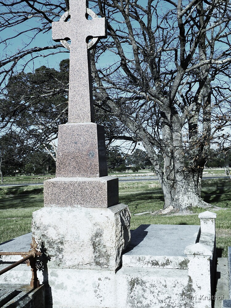grave tree by Terri  Kruithof