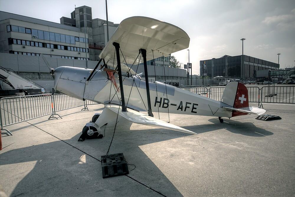 Geneva Classics 2009 - Aircraft 9 by David Freeman