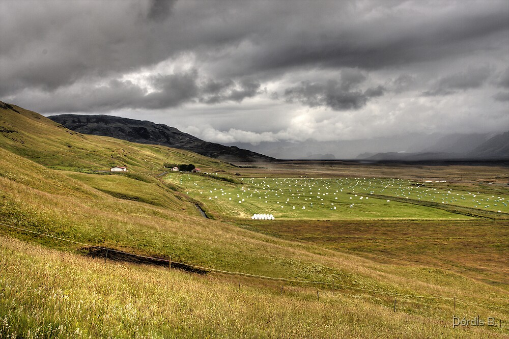 There comes the rain by Þórdis B.