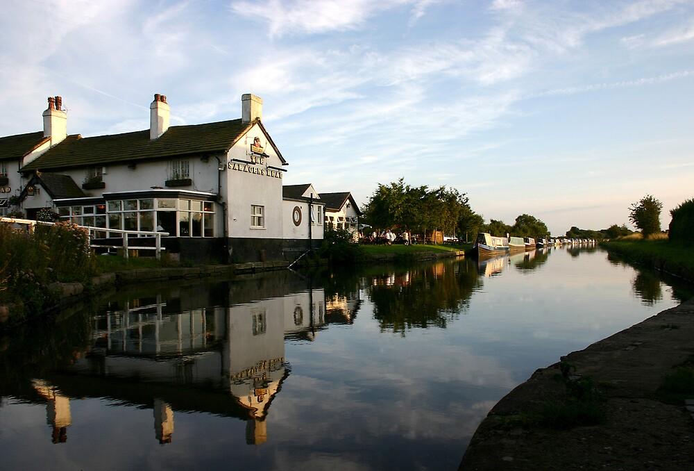 Saracens Head and Canal by stebird