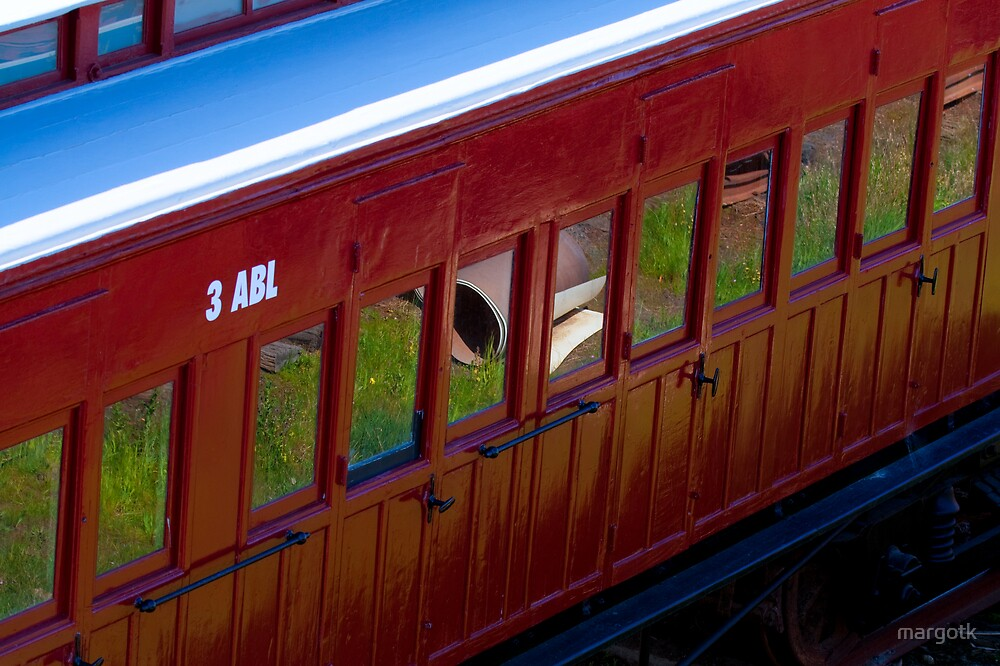 Red Carriage by margotk