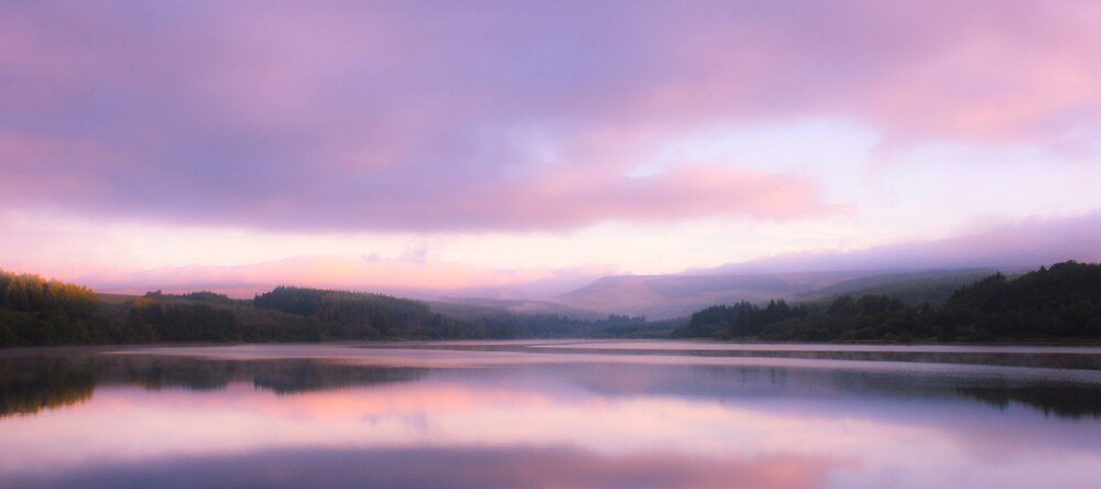 Llywn Onn Resevoir Sunrise by Greg Roberts