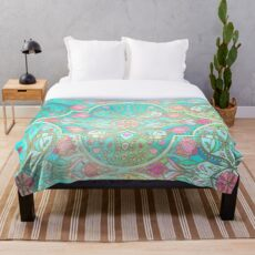 Florale marokkanische Pastellfarben im Frühling - Aqua, Pink, Mint & Peach Fleecedecke