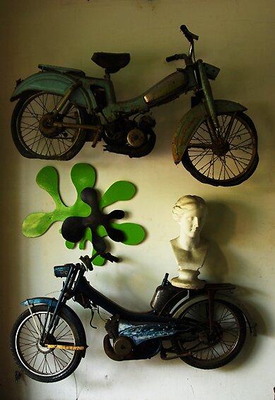 Hanging Motorbikes by famasu