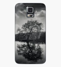 Alone at the lake Case/Skin for Samsung Galaxy