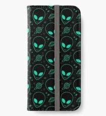 Alien Pattern iPhone Wallet/Case/Skin