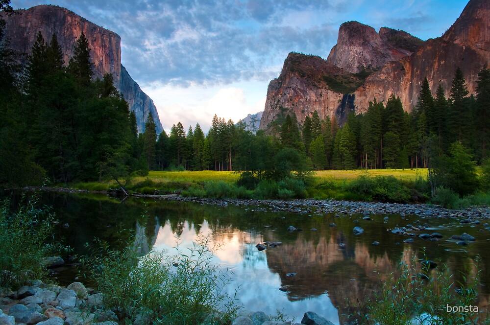 Yosemite Valley by bonsta