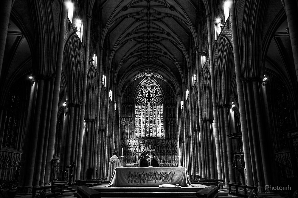 The Nave, York Minster by Photomh