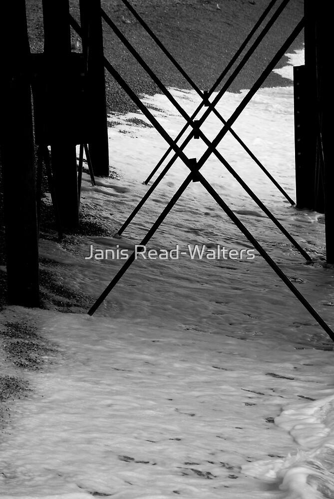 Pier 2 by Janis Read-Walters