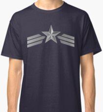 Der erste Rächer Classic T-Shirt