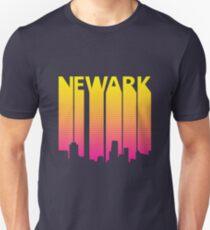 Retro 80s Newark Skyline Silhouette Unisex T-Shirt
