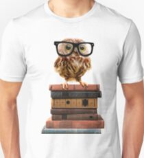 Adorable Nerdy Owl with Glasses on Books Unisex T-Shirt