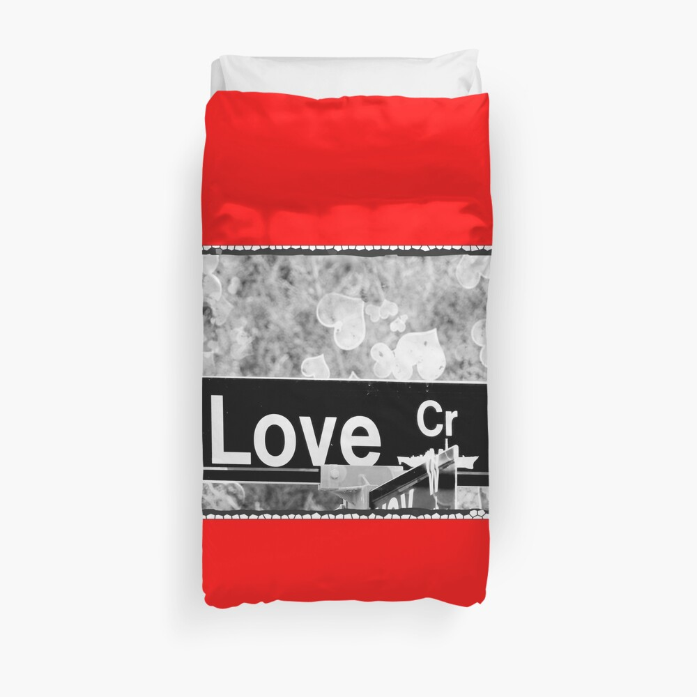 Love is all we need ! Duvet Cover