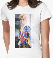 JIN BTS Tailliertes T-Shirt
