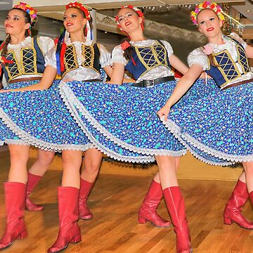 Croation Folk Dancers by gigges