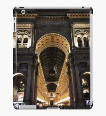 Galleria Vittorio Emanuele II at Night, Milano, Italia iPad Case/Skin
