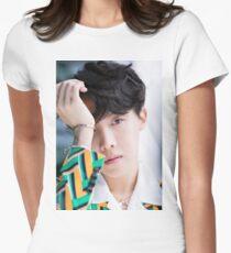 J-Hoffnung BTS Tailliertes T-Shirt