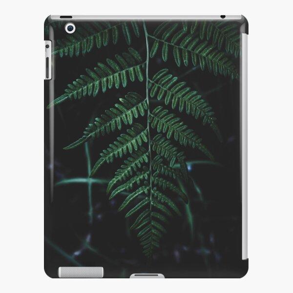 Leaf in the dark iPad Snap Case
