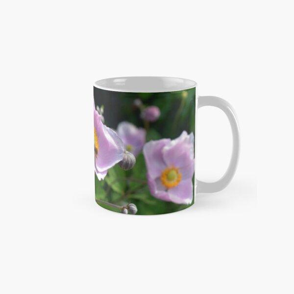 Real Beautiful Flowers outside bee Classic Mug