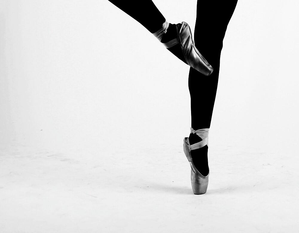 Ballerina on Point by sam8tha