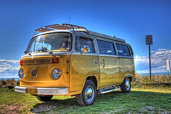 VW Combi by Michael Tuni