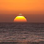 THE GREEN FLASH, A NATURAL PHENOMENON!  by Heather Friedman