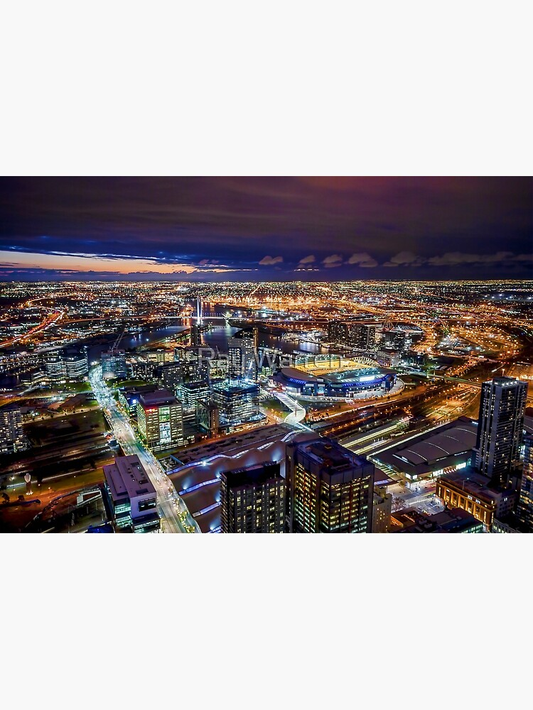 Melbourne at Night by RayW