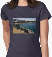 Islay: Bunnahabhain Distillery Women's Fitted T-Shirt