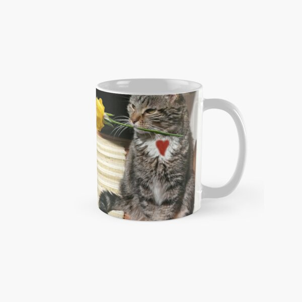 Kitty with a rose Classic Mug